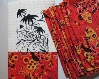 COMBO SET - Blooming Black-Eyed Susan Swirl - (Kitchen Towel and 8 Dinner Napkins) - Microfiber Waffle Weave Towel