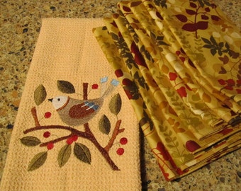 COMBO SET - Bird in Berries (Butter) - (Kitchen Towel and 8 Dinner Napkins) - Microfiber Waffle Weave Towel
