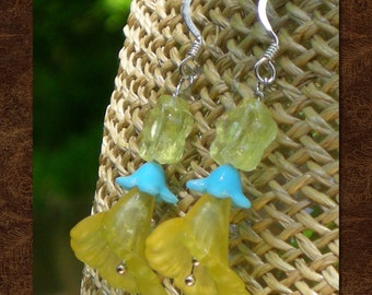 Yellow Trumpet Flower Earrings - Flower Drop Earrings - Lucite and Glass Earrings - Lucite Trumpet - AnniPalooza - R63