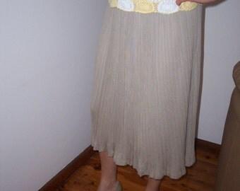 Vintage 80s 90s Beige Pleated Fold Skirt