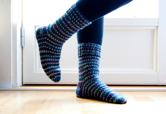 Hand knitted socks - blueberry. striped socks.