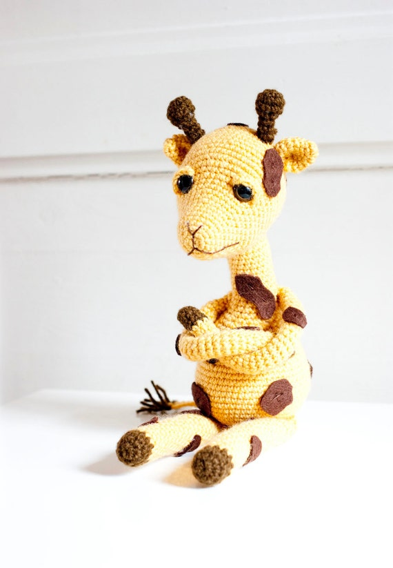 Amigurumi Hakelanleitung Gina Giraffe : Amigurumi giraffe soft sculpture soft toy Gina the giraffe
