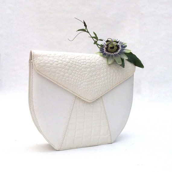 White Leather, Croc Detail Handbag - Vintage Clutch / Purse