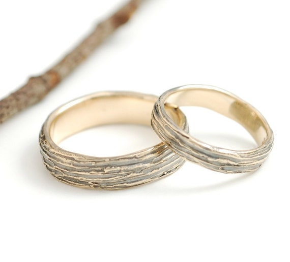 14k Yellow Gold Tree Bark Wedding Ring Set - 4mm and 6mm - made to order wedding bands in recycled metal - nature-inspired