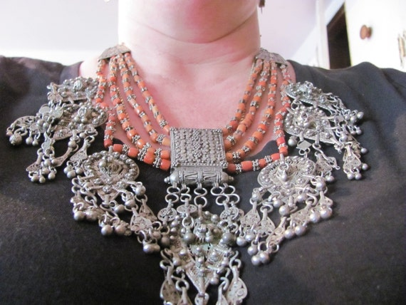 Vintage Heavy Silver and Coral Necklace from Yemen
