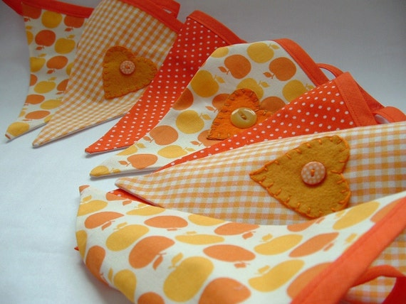 Bright and Cheery Hand Applique Bunting - AUTUMN HEARTS - A Perfect Decoration for Thanksgiving