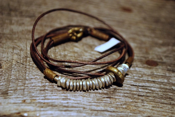 HARMONY DISCS : Brown Leather Wrap Bracelet