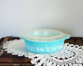 Vintage Butterprint Pyrex Casserole with Lid - Turquoise