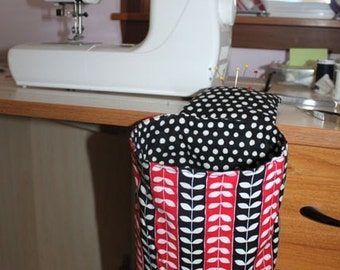 Thread Catcher in Black Polka and Stripes