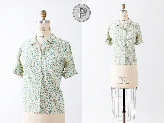BLOWOUT SALE // 1950s shirt large / 1960s blouse floral blue : Little Bird