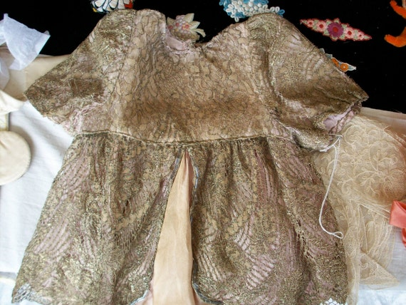 Doll's dress 1920's of metal lace and beading