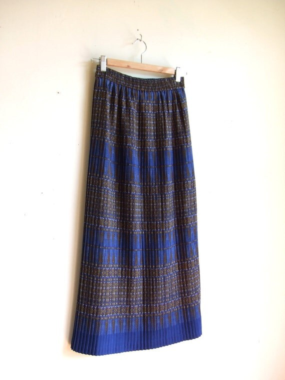 vintage micro-pleated boho maxi skirt with south western pattern