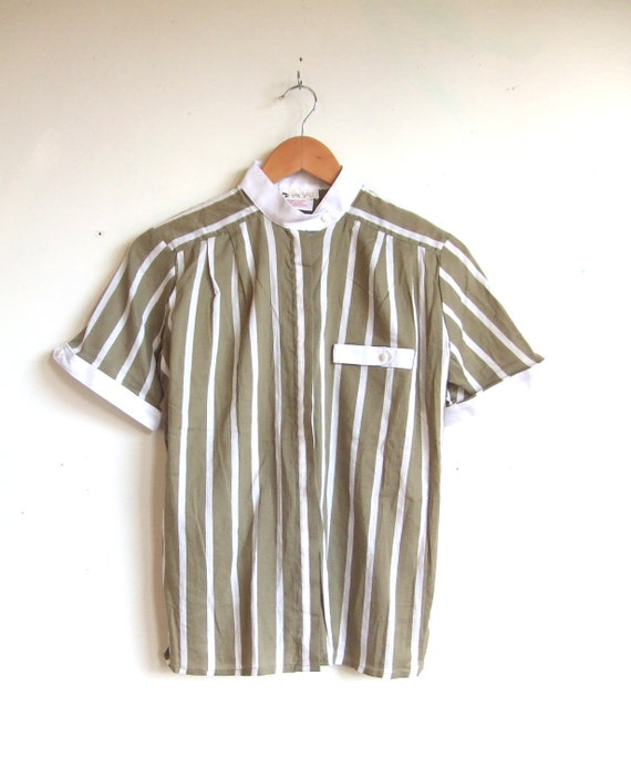FINAL SALE////vintage 1990s sage green and white striped blouse