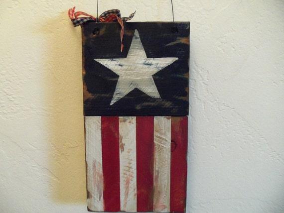 Americana Flag Decoration Antiqued