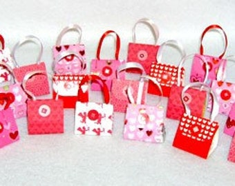 Set of 24 Valentine Purse Party Favors with Hershey Nugget Candy