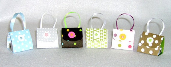 Set of 6 Polka Dot Purse Party Favors with Hershey Nugget Candy
