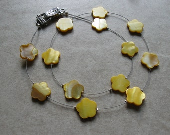 yellow mother of pearl flower floating necklace