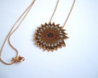 Tritone Vintage Metal Flower Necklace