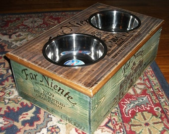 Far Niente 2 tone Double Bowl Dog  Feeder w/2 qt bowls