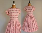 vintage 50s dress / 1950s 50s cotton floral dress / Flower Picking
