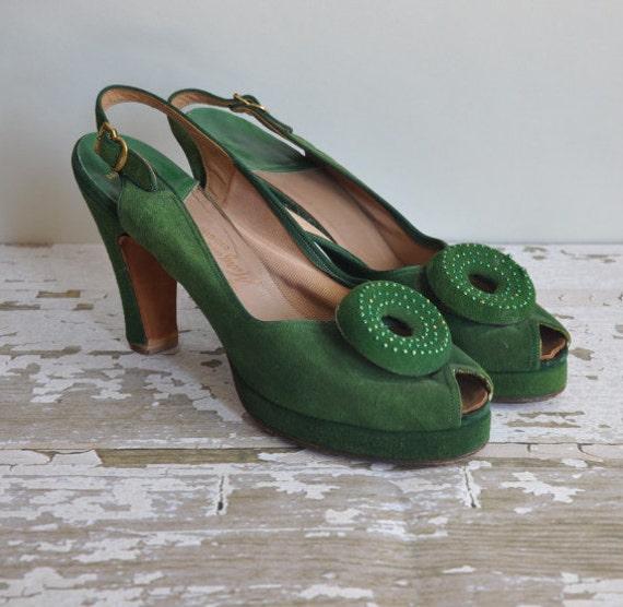 1940s vintage heel // 40s platforms // rare green suede bombshell heels