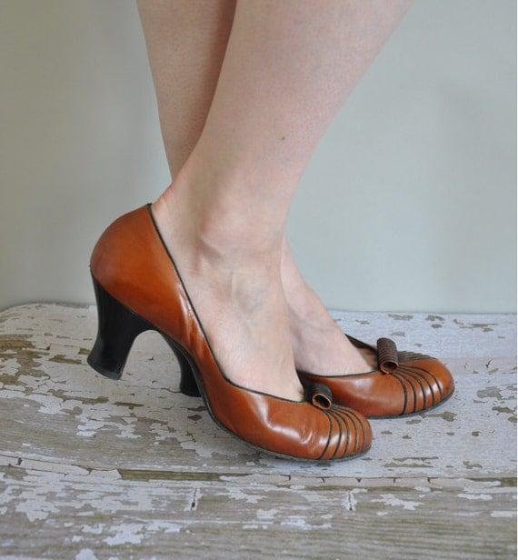 vintage 1950s heels / 50s brown leather heels / Puddle Jumper
