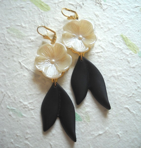 Pearl Flower and Black Leaf Statement Dangling Earrings