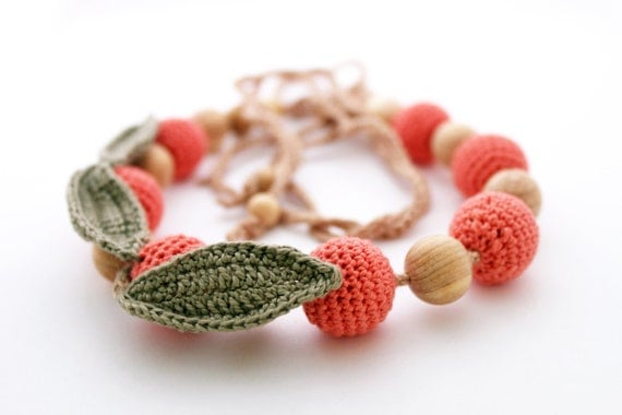 Nursing necklace / Teething necklace (Natural materials: cotton, wood) - Nursing Jewelry - Breastfeeding / Mom- Apples of China