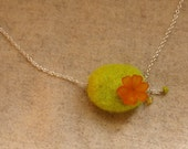 Lucite flower and green felt bead necklace