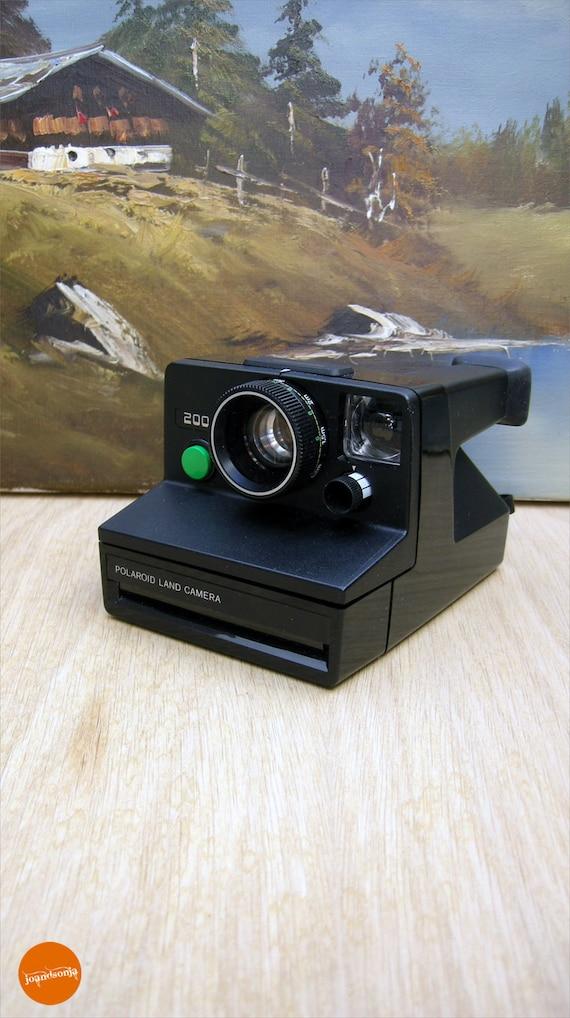 vintage polaroid 2000 land camera. Black Bedroom Furniture Sets. Home Design Ideas