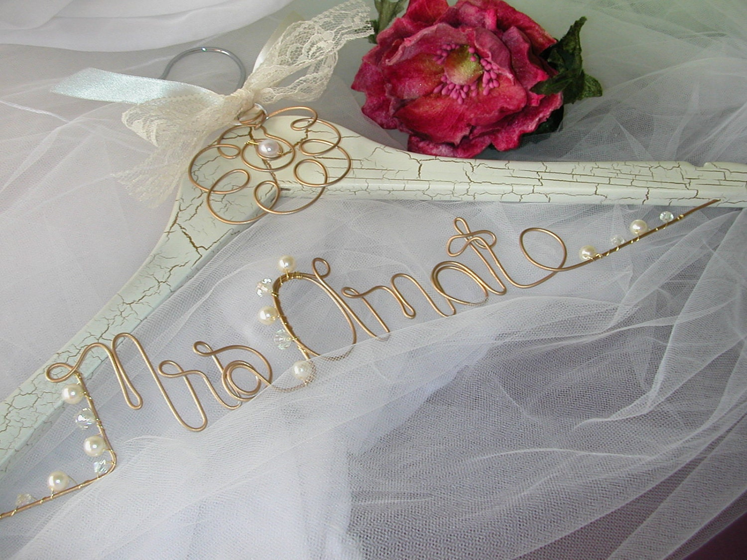 Romantic vintage personalized wedding hanger wire name for Personalized wire wedding dress hanger