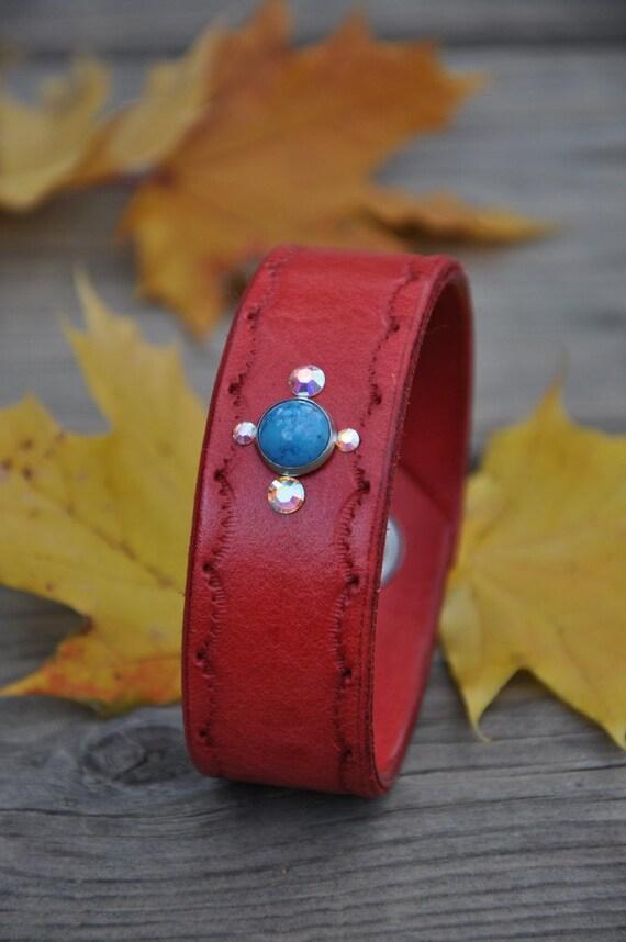 Crystal Akemi Womens Leather Bracelet SALE