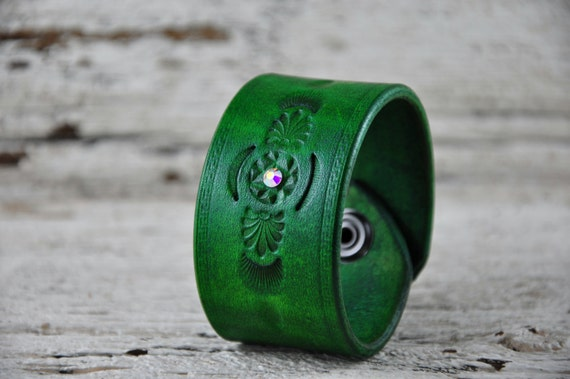 Sparkling Emerald Leather Cuff