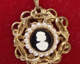 SALE PRICE Vintage Cameo Charm Pendant  Faux Pearls 50s 60s Gold Tone Filigree Setting