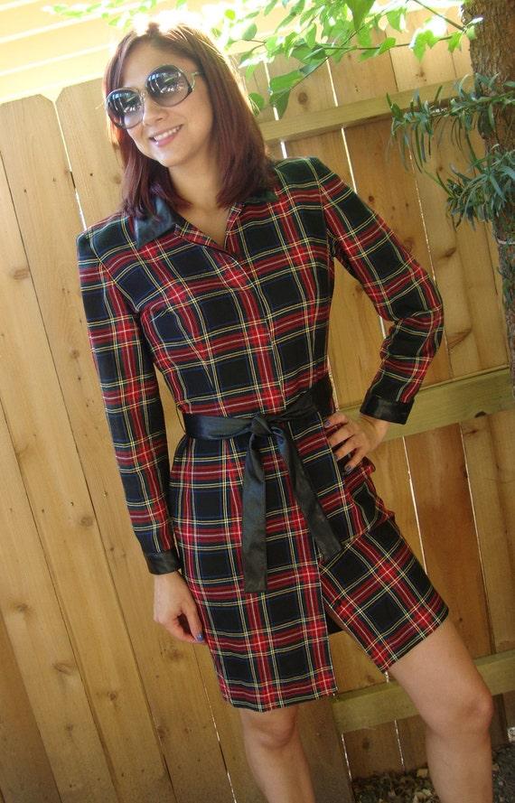 TREASURY ITEM Preppy Plaid Sexy Fit Button Down Dress L/S Black Faux Leather Trim Vtg 80s