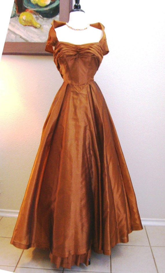 Reduced Bronze Beauty 40s 50s Vintage Ball Gown By