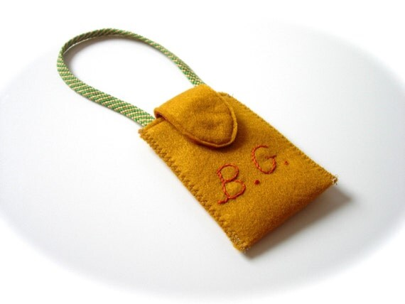 Personalized embroidered felt luggage tag for Embroidered tags personalized
