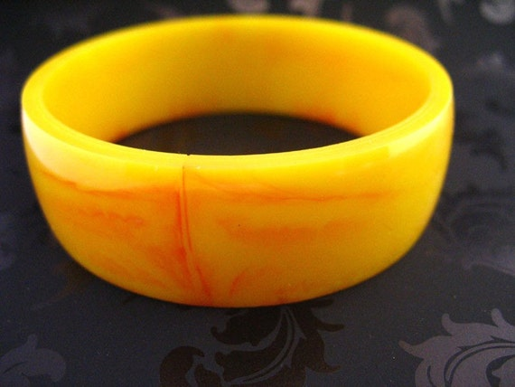 Tequila sunrise resin bangle bracelet jewelry , yellow resin bangle red unique broad resin bracelet bangle handcast swirl resin bangle