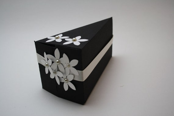 12 Paper cakes - Favour boxes - WEDDING - BABY Shower, BIRTHDAY, 12 individual slices