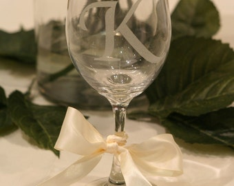 Personalized Wine Glass with Fleur de Lis