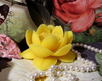 Beeswax Yellow Lotus Flower Candle