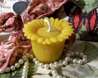 Beeswax Floating Daisy Sunflower Candle