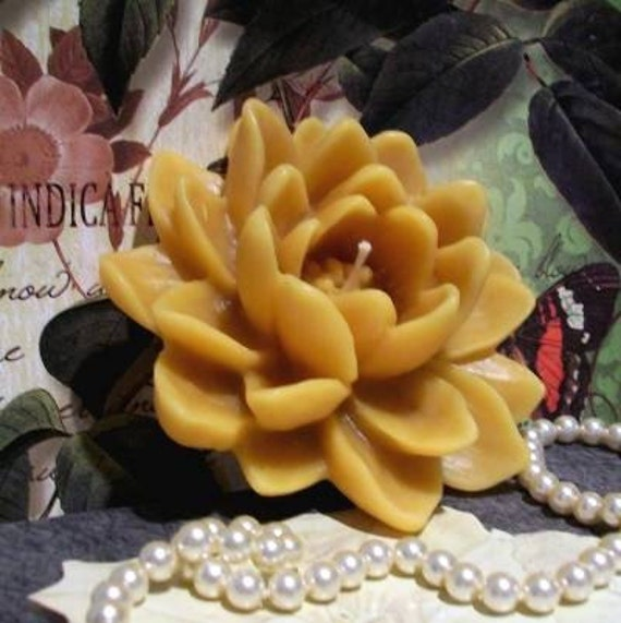 Beeswax Lotus Flower Candle