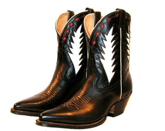 Vintage Black, White, Red Leather Inlay Peewee Western Cowboy Boots Mens size 9 /Fits Womens size 10