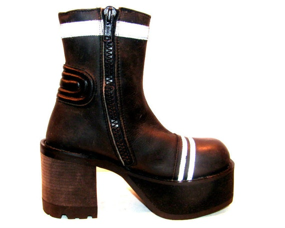 Vintage Woman's Black Leather Reflective Stripe Cyber Glam Platform Boots size 8