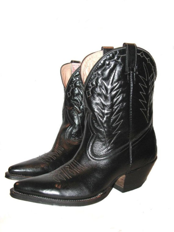 Reserved for BloodMilk: Vintage 1980's Black Leather Peewee Western Cowboy Boots Woman's size 9 1/2