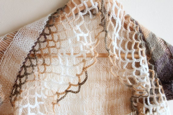 Lace 'take me out' shrug in Cappuccino size XS/S