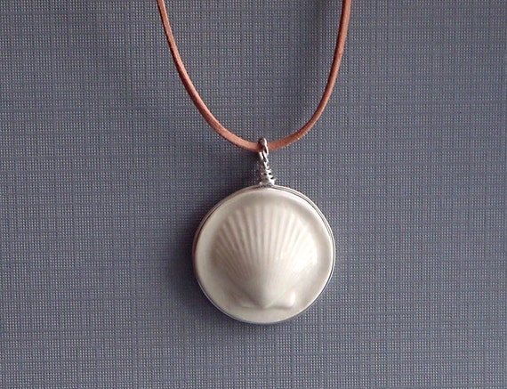 Beach Jewelry, Shell Necklace, White Scallop Shell Pendant, Ceramic Seashell Necklace, Wedding Jewelry