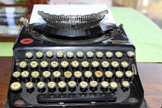 1922 Remington Portable Pop Up Keys Typewriter with Case Model 2