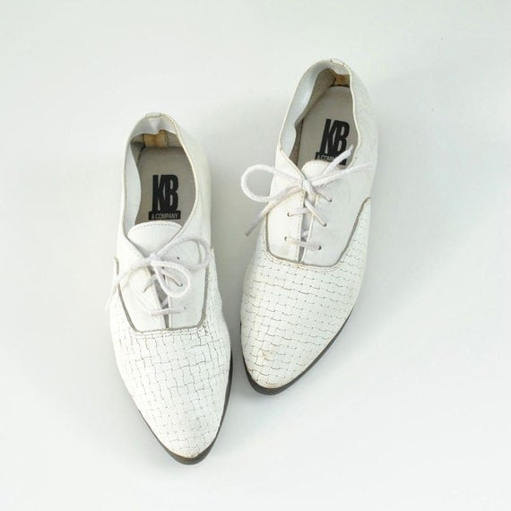 White Oxfords Sz 7.5  //  Woven Oxfords Size 7 1/2  //  SPRING TRICK